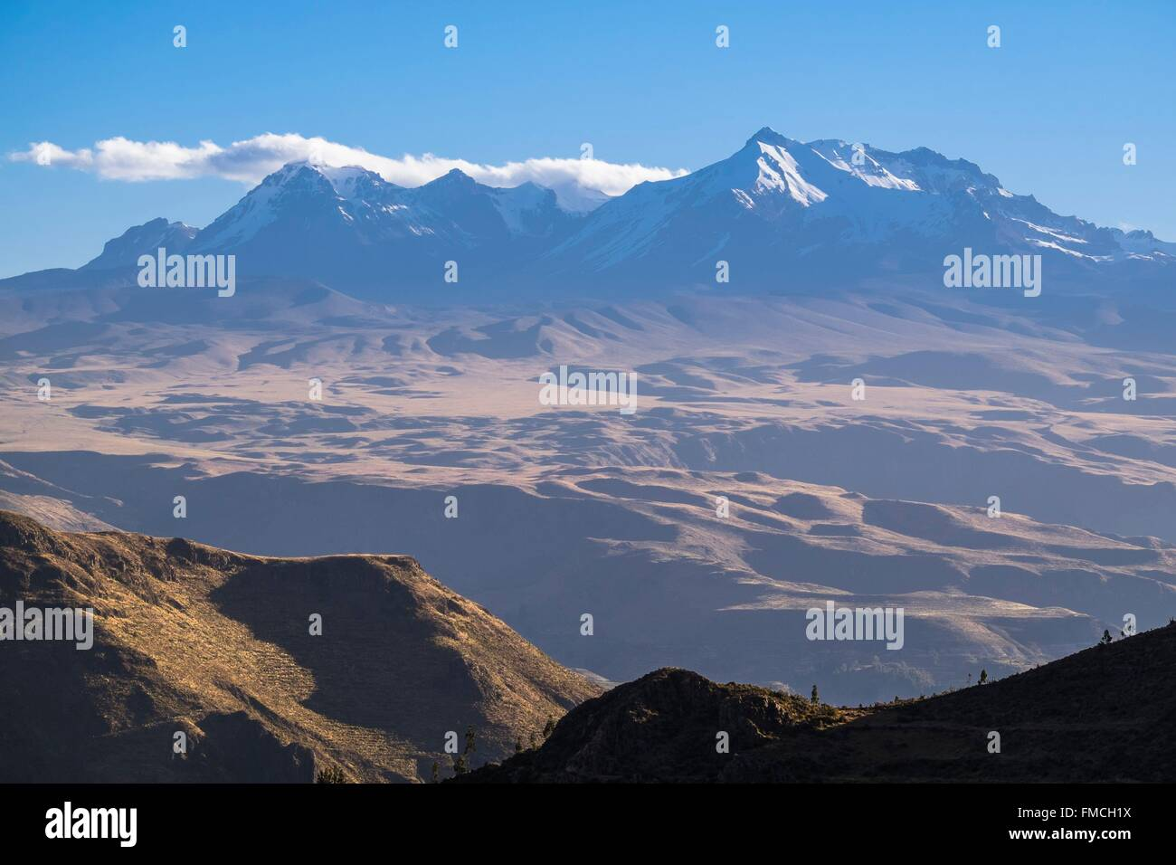 Peru, Arequipa Province, summits overlooking Colca valley - Stock Image
