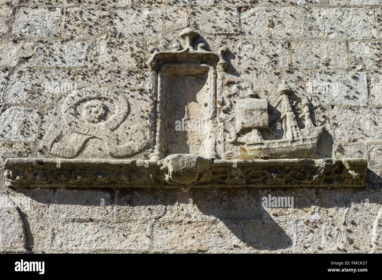 France, Finistere, Iroise Sea, Roscoff, caravel on the wall of Notre Dame de Croas Batz church - Stock Image