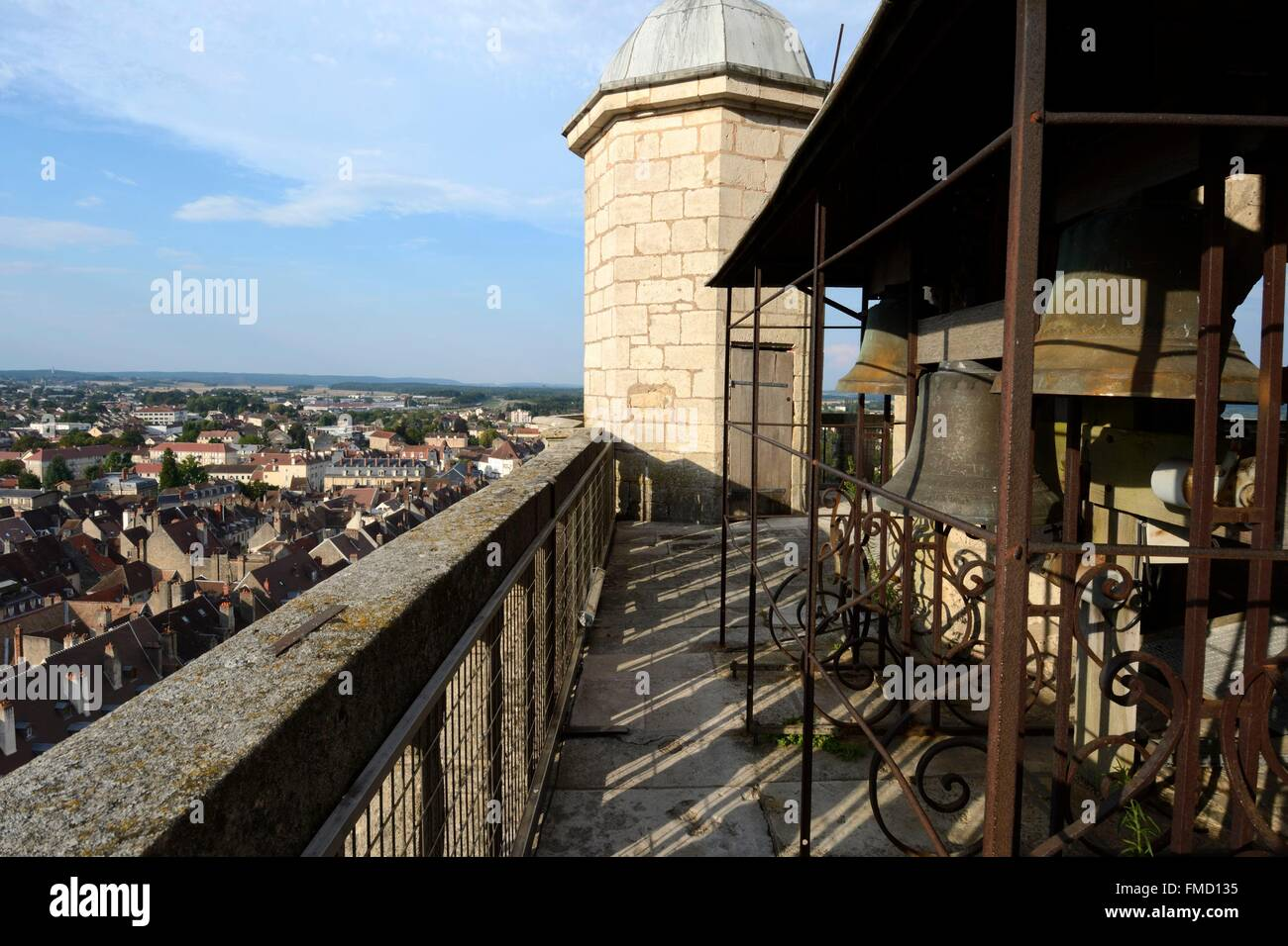 France, Jura, Dole, Notre Dame collegiate church dated 16th century, top of the bell tower, 4 bells ringing quarters - Stock Image