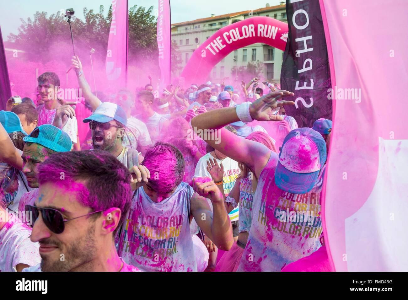 France, Bouches du Rhone, Marseille, The Color Run, race or participants receive the powder paint - Stock Image
