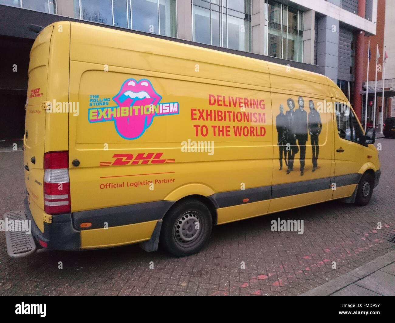 Car exhibitionism