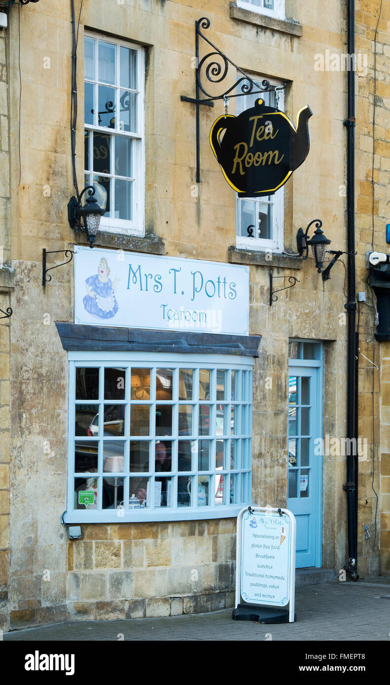 Mrs T Potts Tearoom, Moreton in Marsh, Cotswolds, Gloucestershire, England Stock Photo