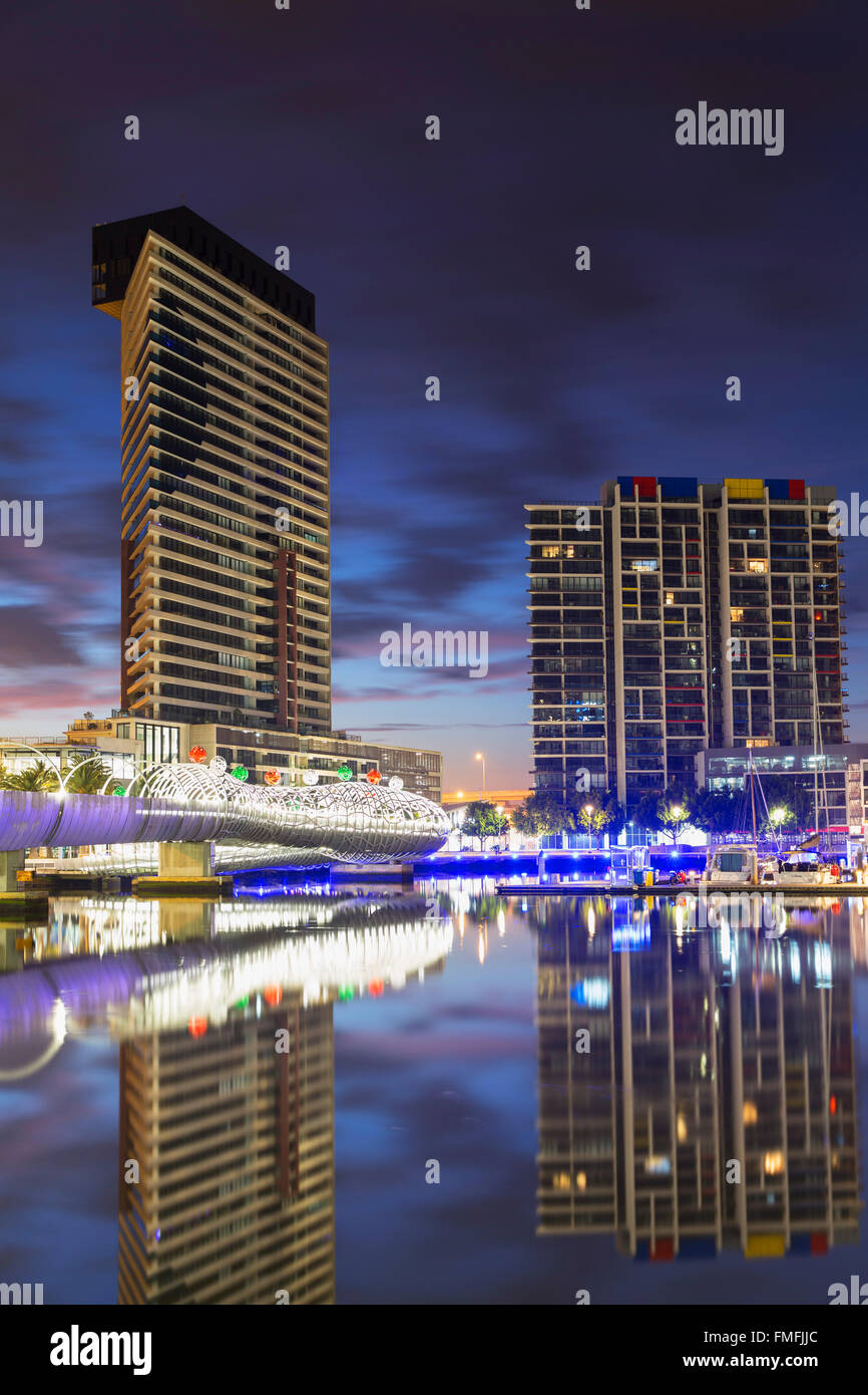 Yarra's Edge harbour and Webb Bridge at dawn, Melbourne, Victoria, Australia - Stock Image