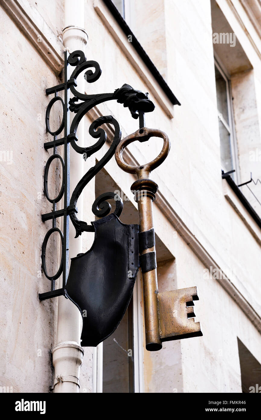Locksmith Shop sign, Paris - Stock Image
