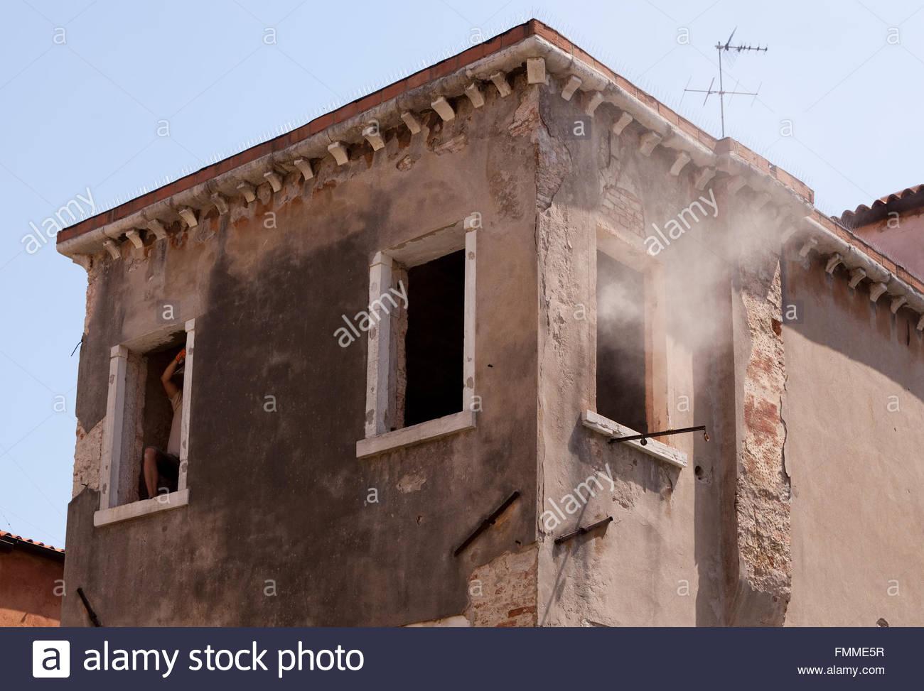 Dusty work in Venice - Stock Image