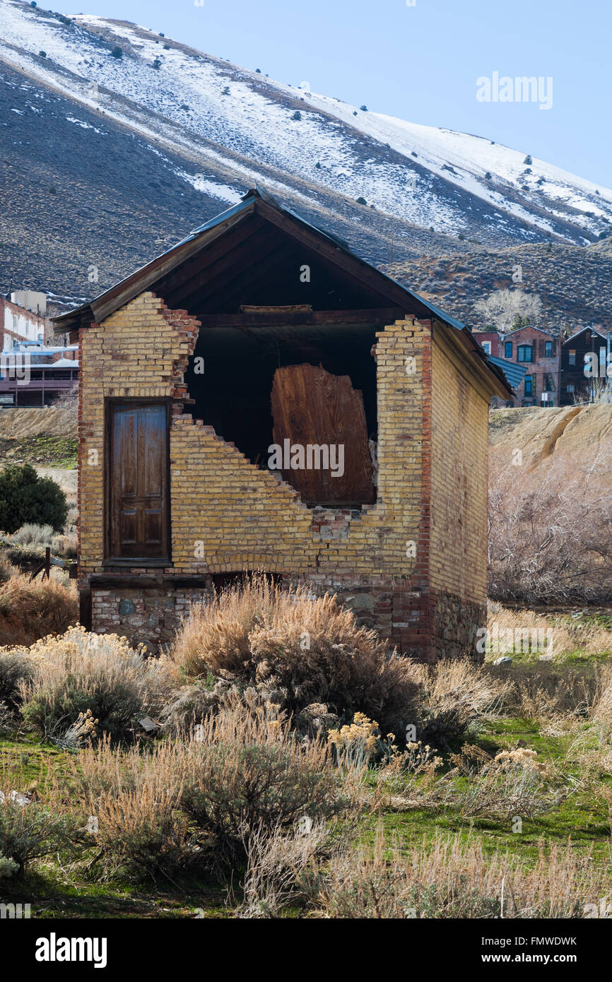 Derelict house in the lower reaches of Virginia City, Nevada, USA - Stock Image