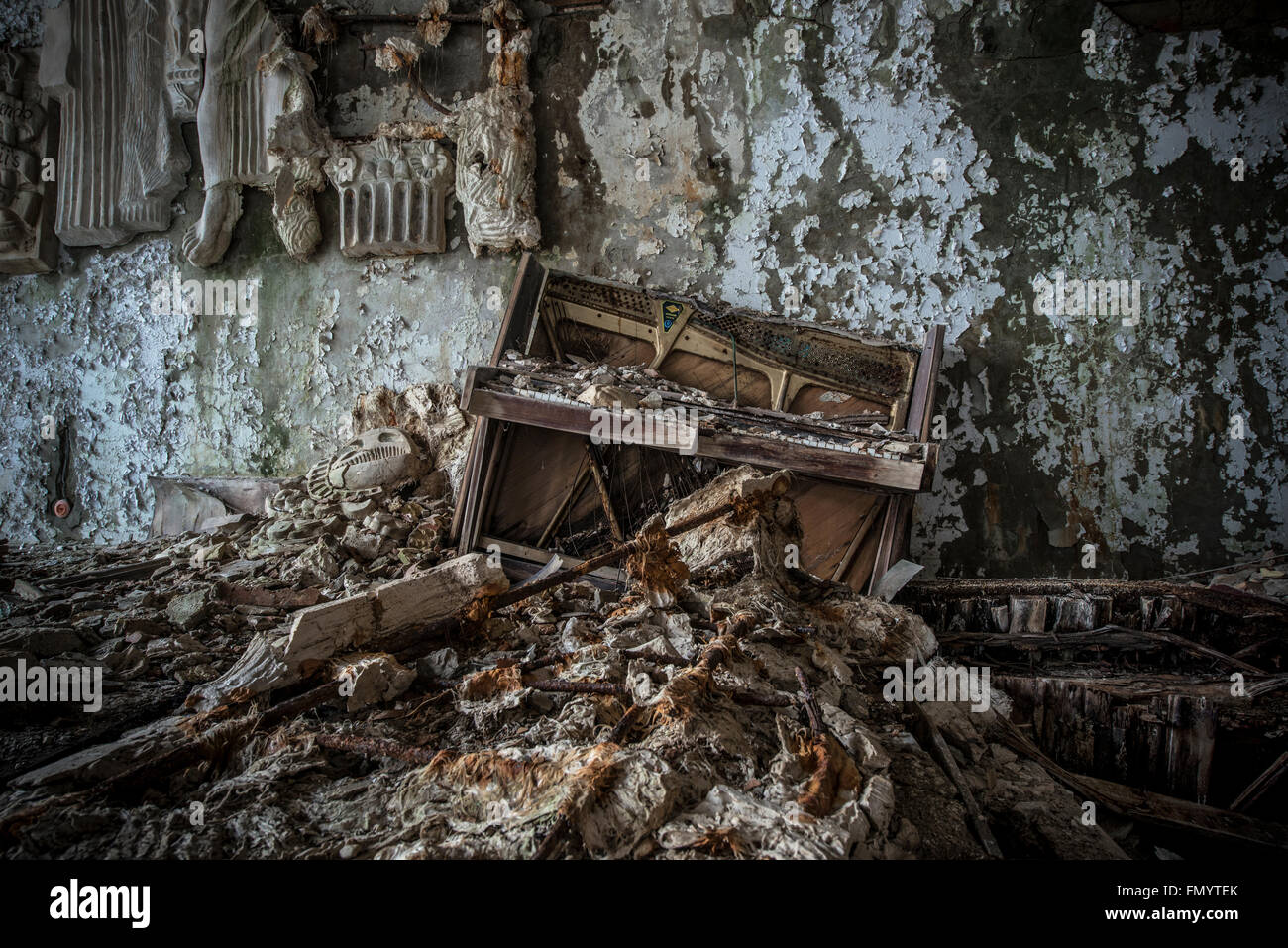 Destroyed piano in Pripyat, Chernobyl scene of 1986 nuclear disaster - Stock Image