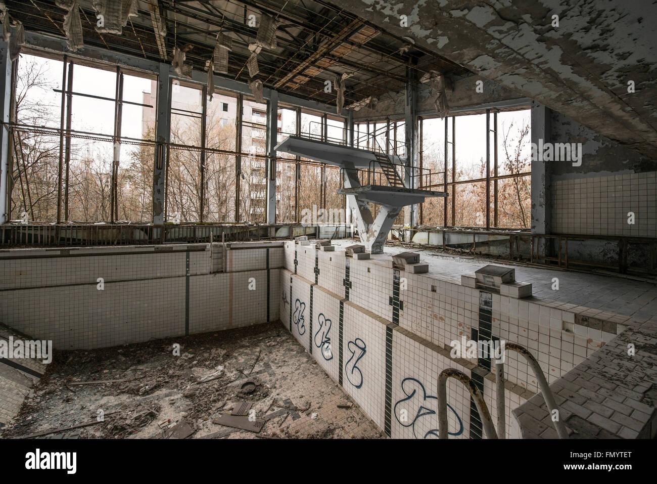 Swimming pool in Pripyat, Chernobyl scene of 1986 nuclear disaster - Stock Image