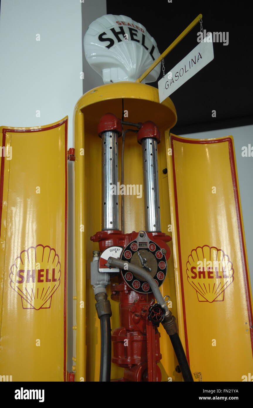 Vintage Shell fuel up station in the car museum, Malaga, Spain - Stock Image
