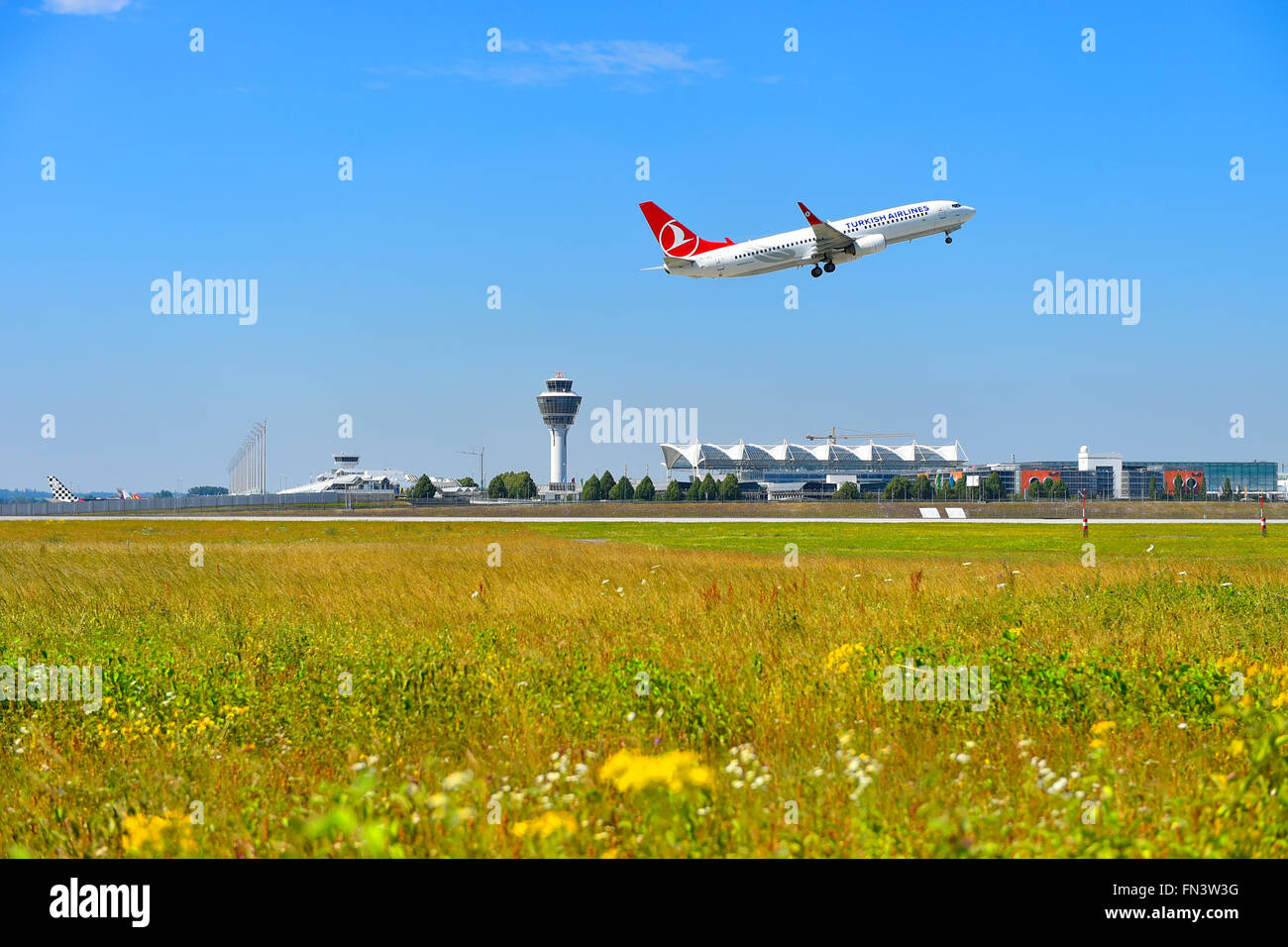 Turkish Airlines, Boeing, B 737 - 800, B737, take of, take off, aircraft, airport, overview, panorama, view, aircraft, - Stock Image