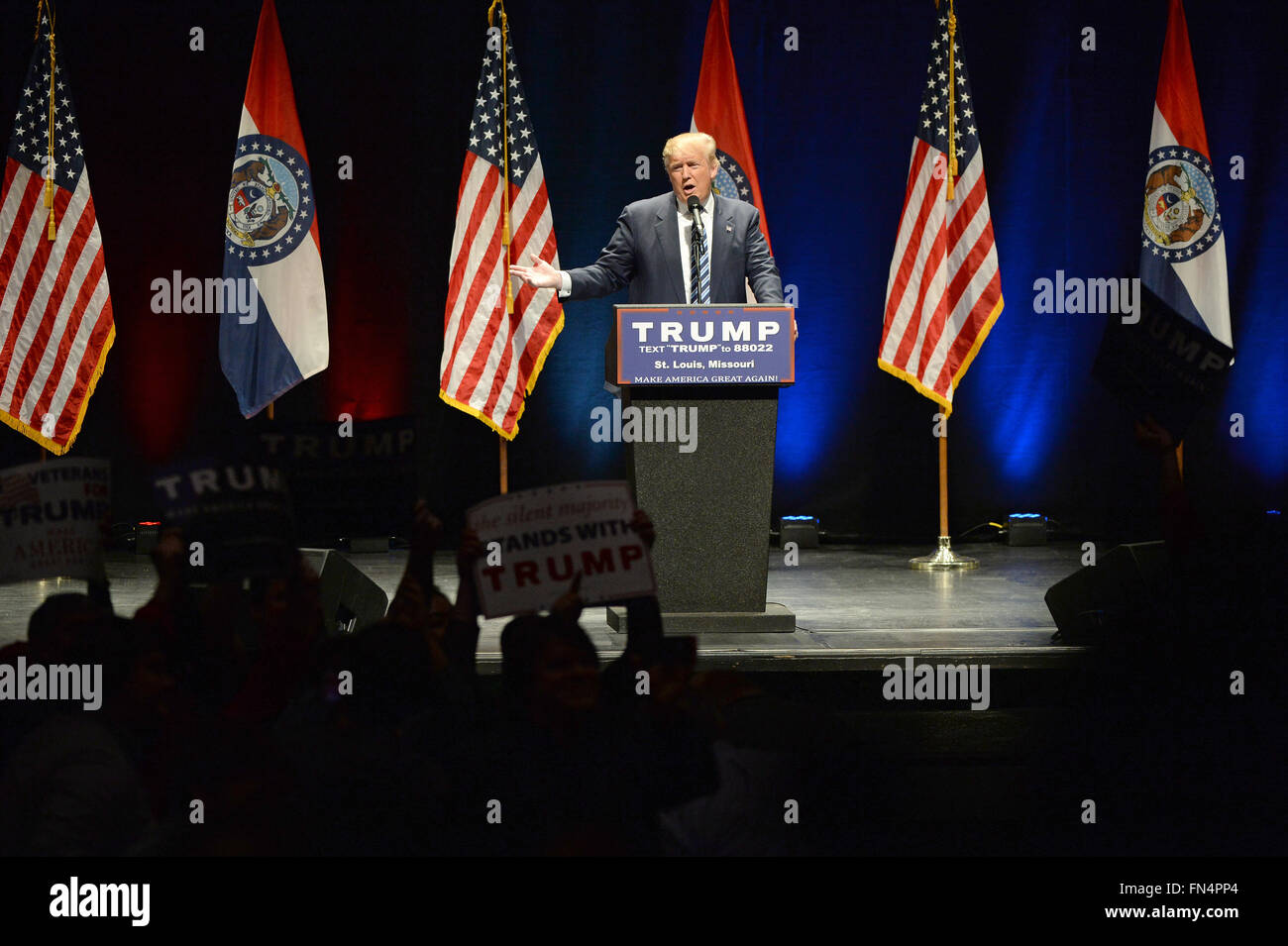 Saint Louis, MO, USA – March 11, 2016: Donald Trump talks to supporters at the Peabody Opera House in Downtown Saint - Stock Image