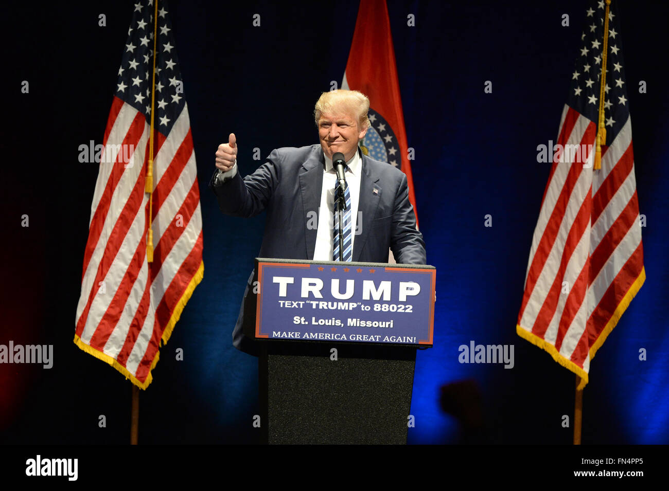 Saint Louis, MO, USA – March 11, 2016: Donald Trump shows the thumbs-up to supporters at the Peabody Opera House - Stock Image