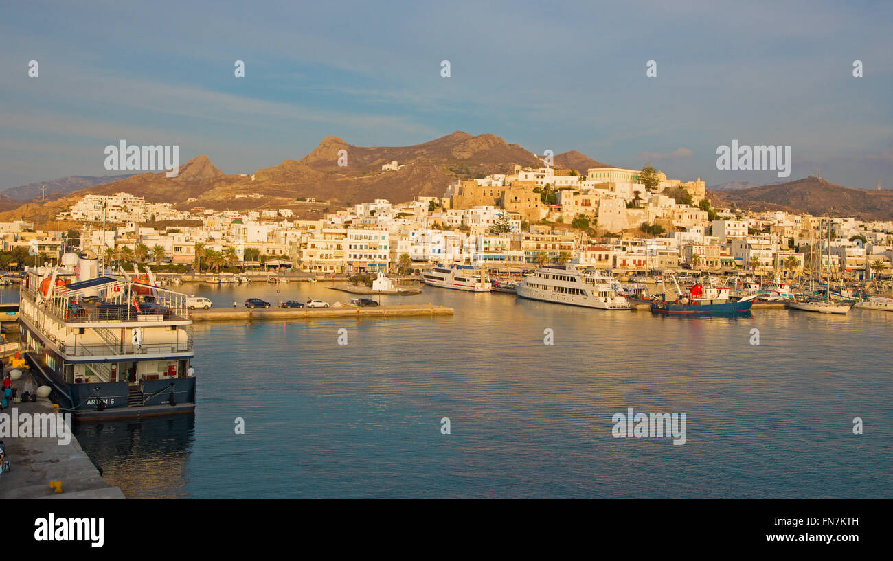 CHORA, GREECE - OCTOBER 6, 2015: The town Chora (Hora) on the Naxos island at evening light in the Aegean Sea. - Stock Image