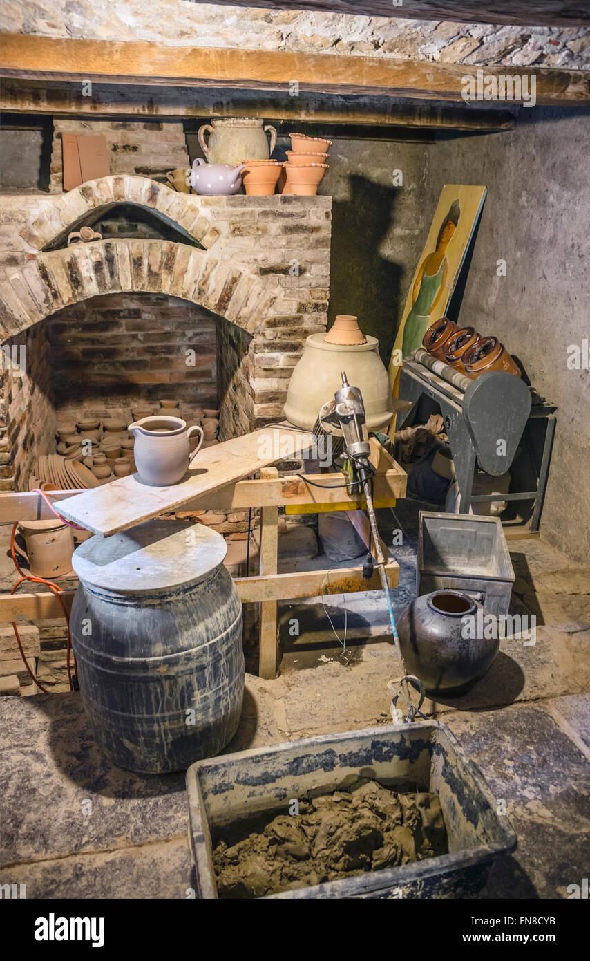 Pottery workshop Interior, Open Air Museum Ballenberg, Bern, Switzerland.| Toepferwerkstatt, Freilichtmuseum Ballenberg, - Stock Image