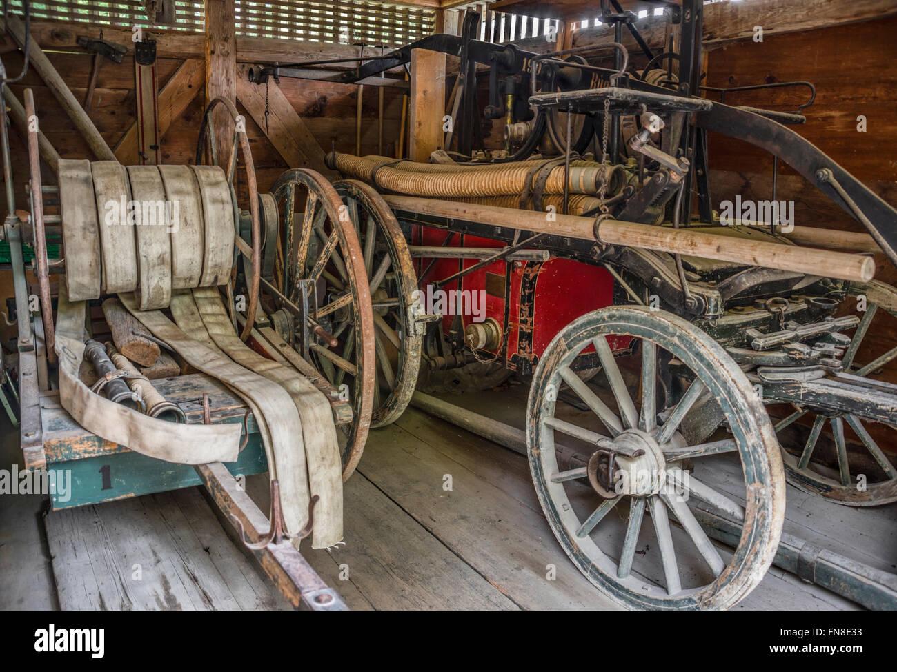 Historical fire truck, Open Air Museum Ballenberg, Bern, Switzerland. | Historischer Feuerwehrwagen, Freilichtmuseum - Stock Image