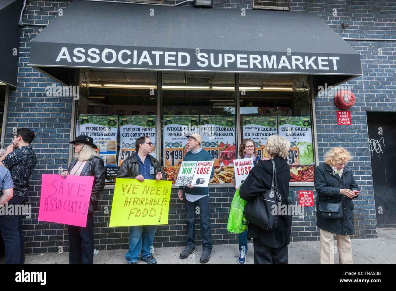 Several hundred residents of of the Chelsea and Greenwich Village neighborhoods rally in front of the Associated - Stock Image
