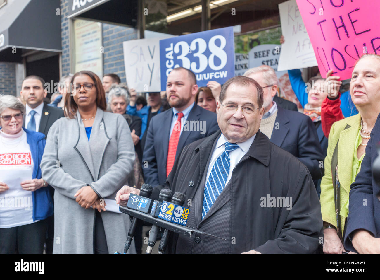 NY Congressman Jerrold Nadler speaks to residents of of the Chelsea and Greenwich Village neighborhoods at a rally - Stock Image