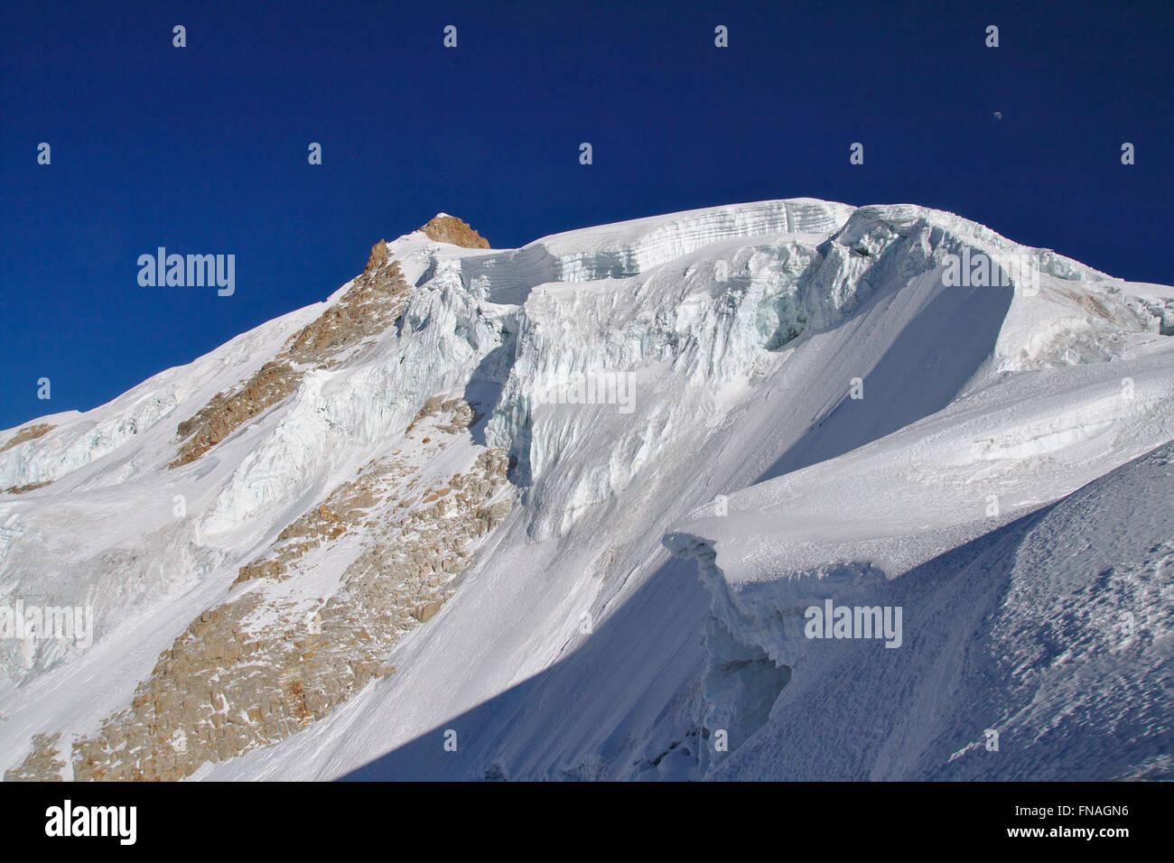 Side summit of Huayna Potosi, Cordillera Real, Bolivia - Stock Image
