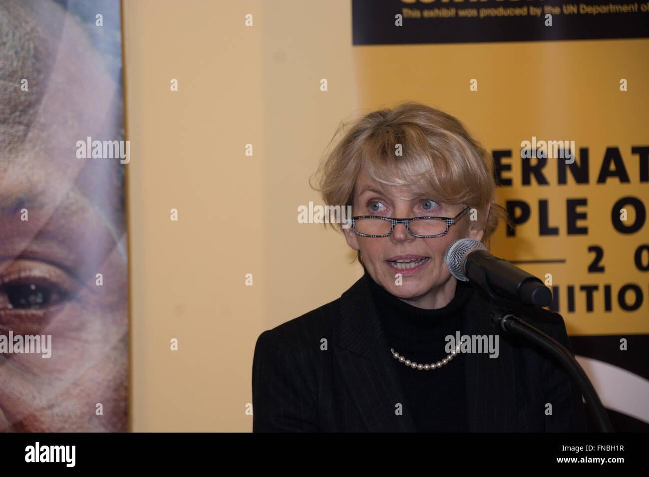 Mozhan Marno,Ella Mitchell Adult video Richard Ian Cox,Barbara Jefford (born 1930)