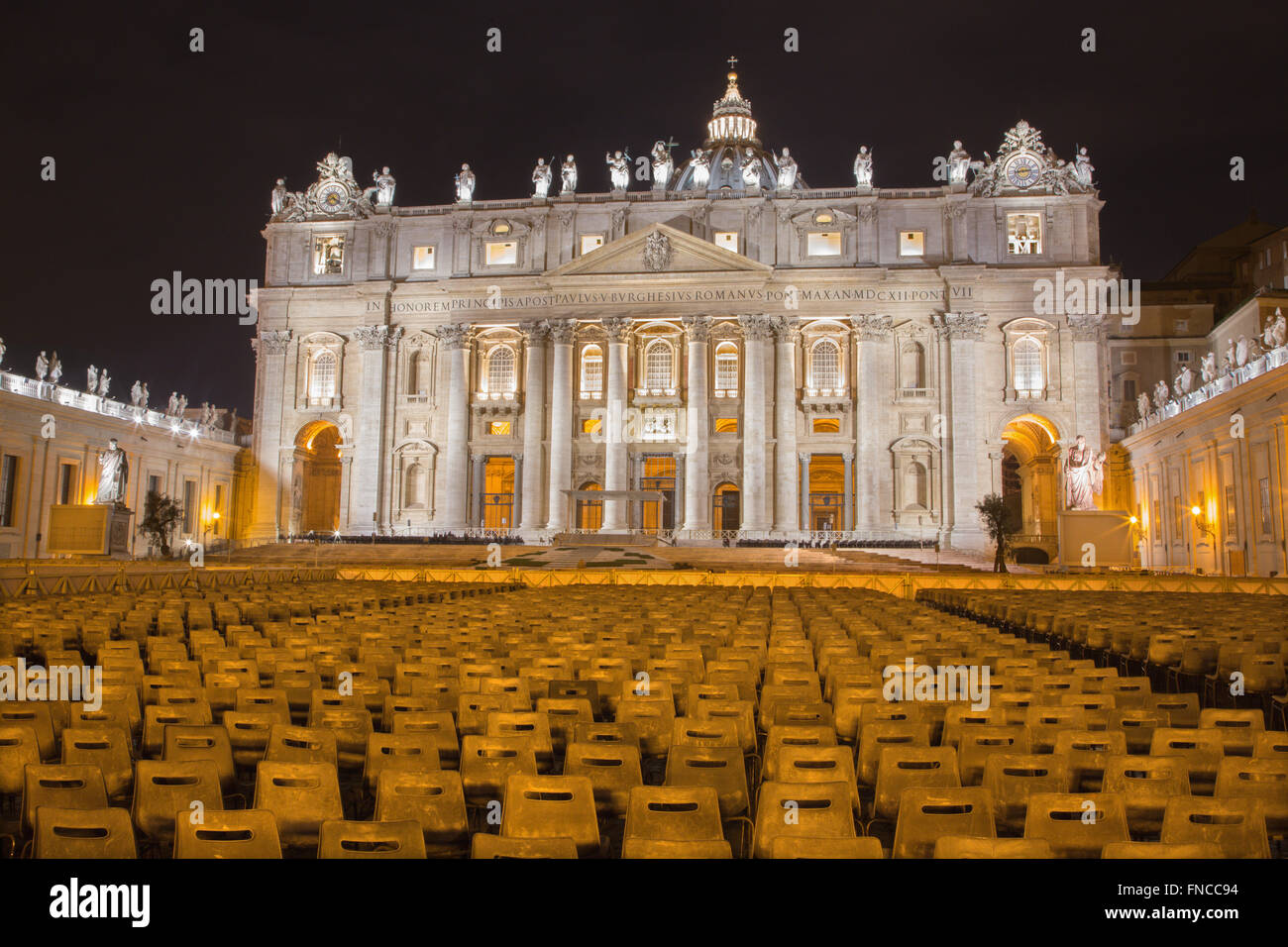 Rome - St. Peter's Basilica - 'Basilica di San Pietro' and the square at night before of Palm Sunday. - Stock Image