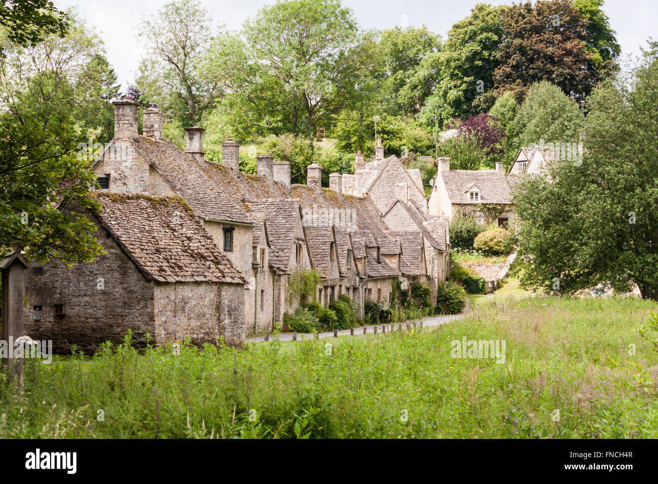 Arlington Row cottages, Bibury, Gloucestershire, Cotswolds, England, GB, UK. - Stock Image