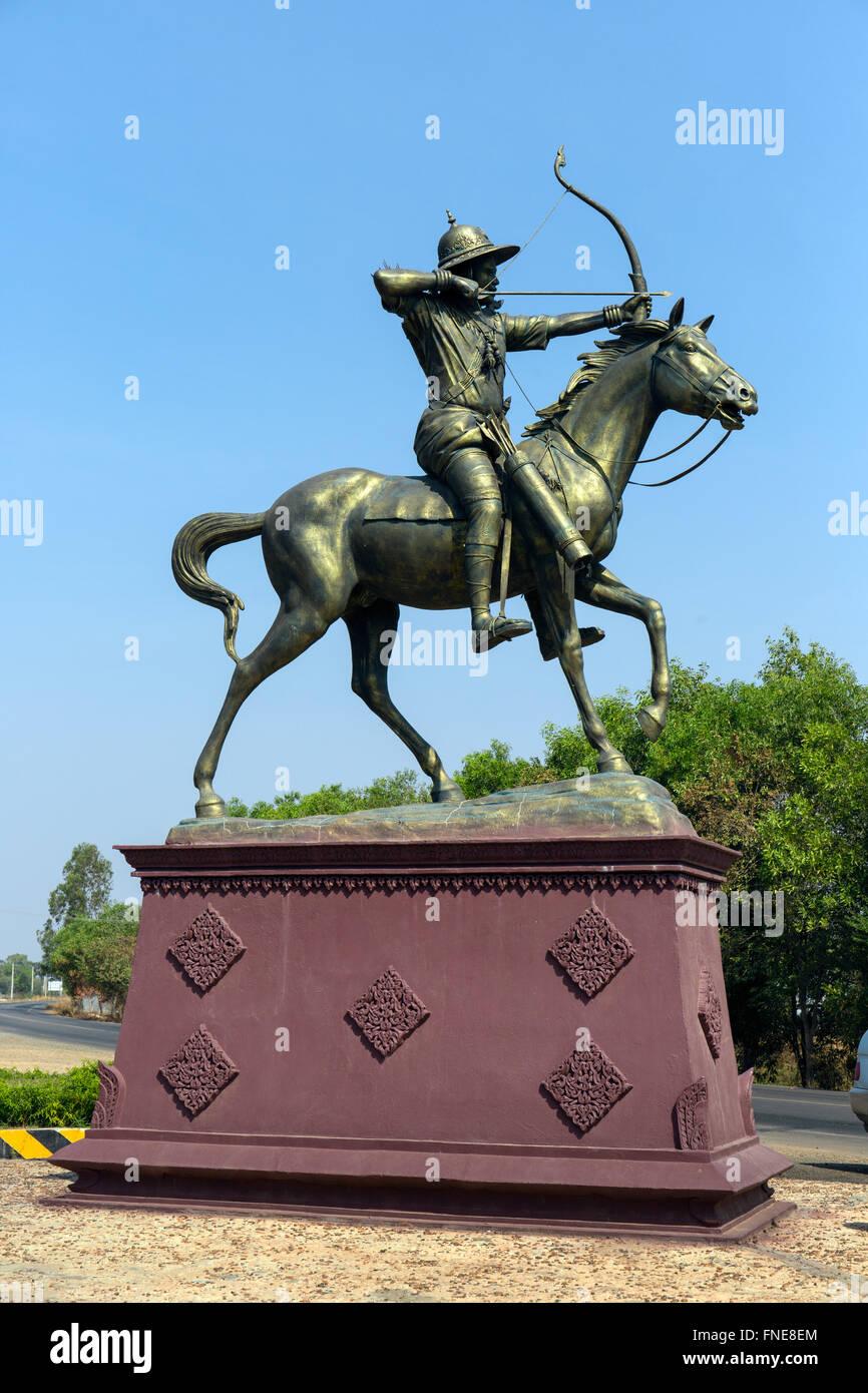 Equestrian monument on National Highway 7, archer on horse, bronze statue, Kandaol Chrum, Ponhea Kraek District, - Stock Image