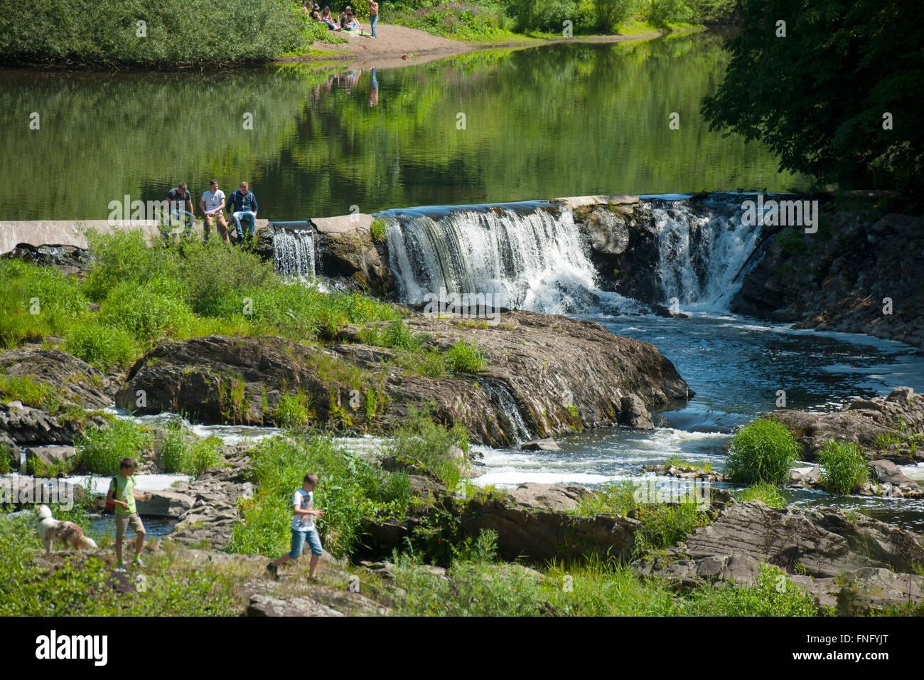 Deutschland, Nordrhein-Westfalen, Rhein-Sieg-Kreis, Windeck-Schladern, Wasserfall der Sieg Stock Photo