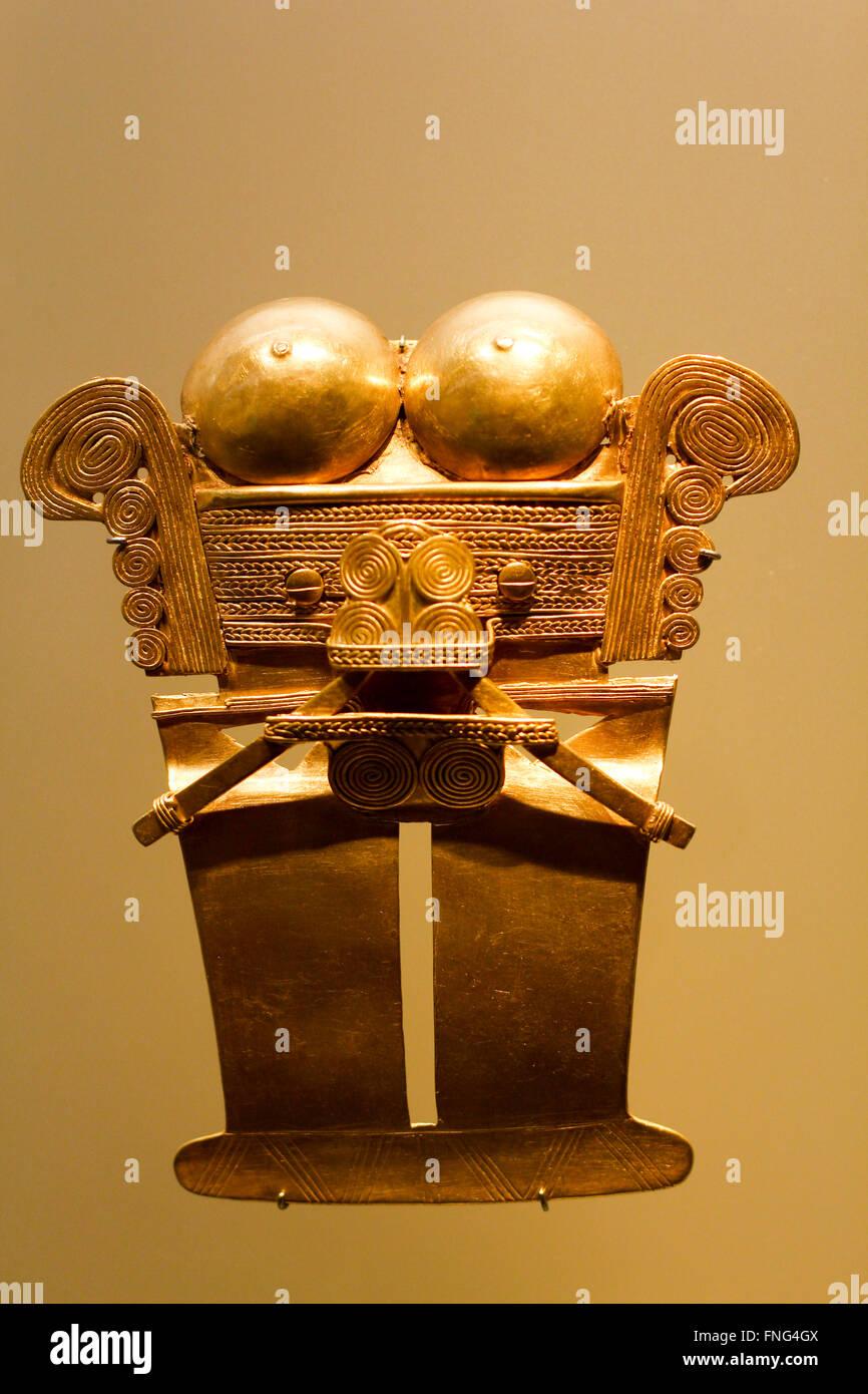 Pre Columbian Golden figure, Museo del Oro Pre-Columbian Gold Museum, Bogota, Colombia, South America - Stock Image