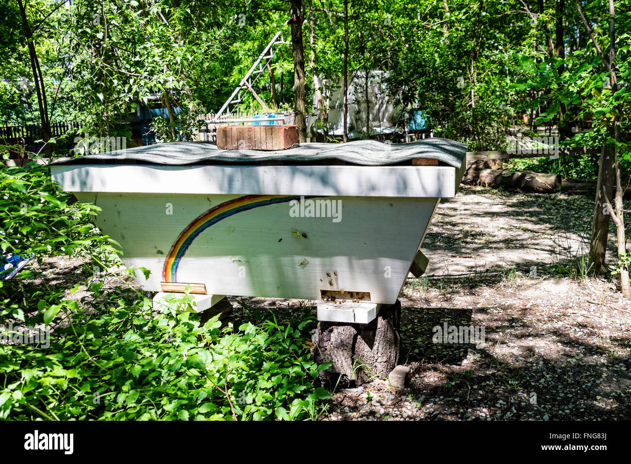 Prinzessinnengarten, Bee hives in Princesses garden, an urban agricultural project. - Stock Image