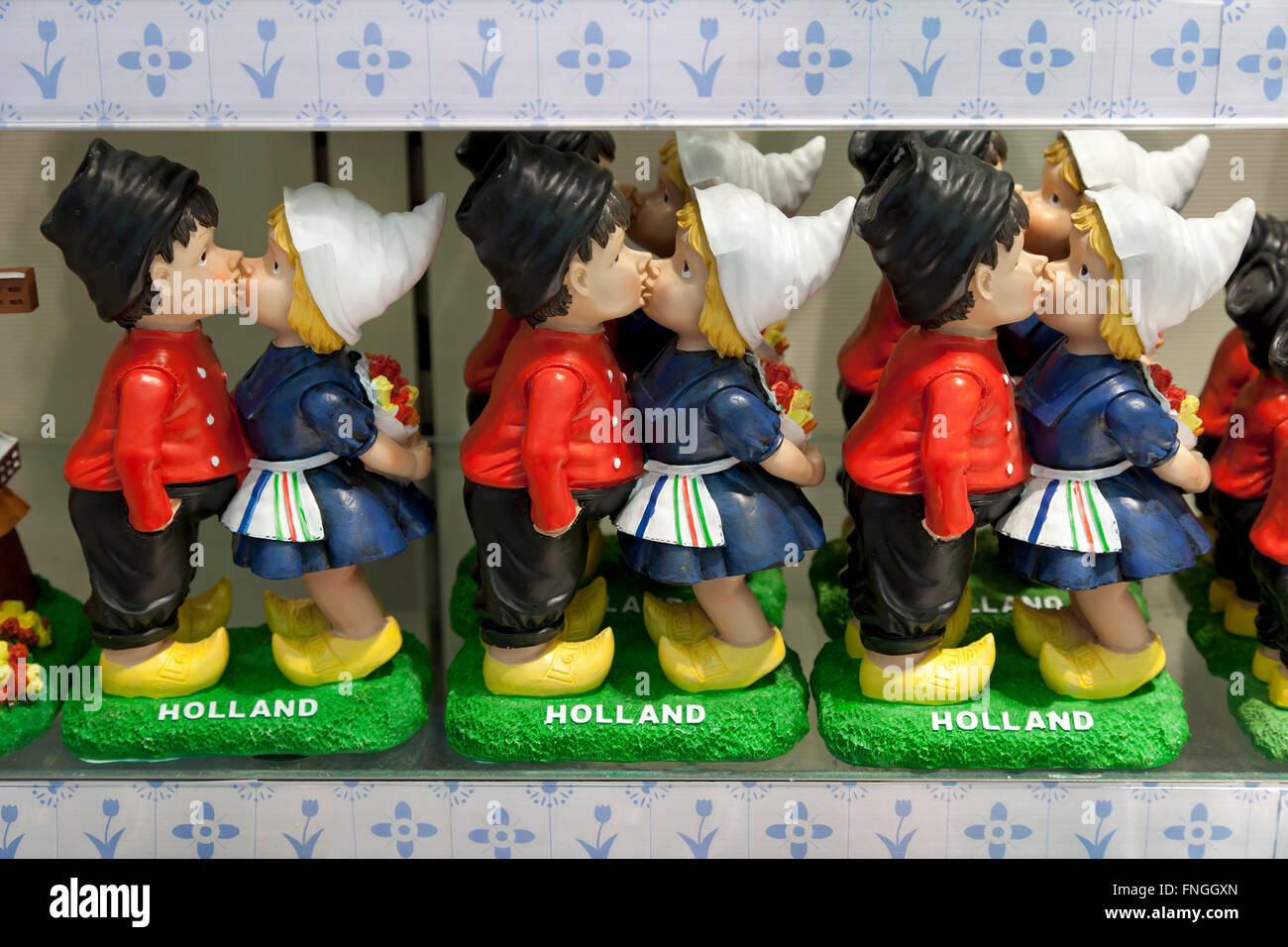 Dutch farmers couple figurine as souvenir - Stock Image