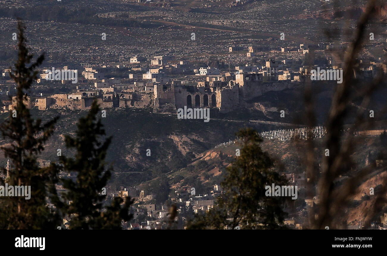 Hama Province, Syria. 16th Mar, 2016. A distant view of Qalaat al-Madiq Fortress. The fortress is controlled by - Stock Image
