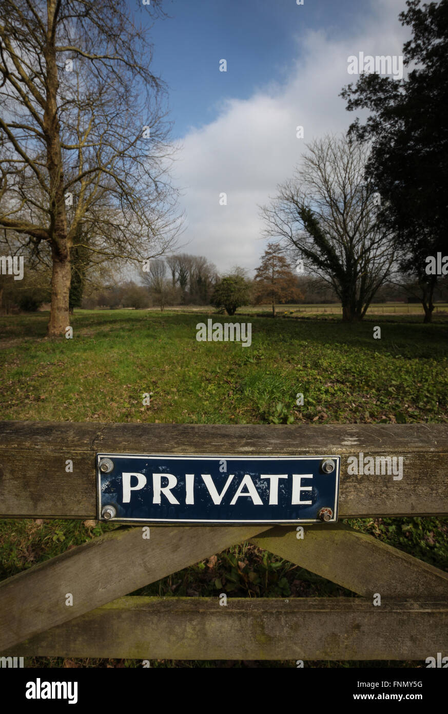 Private sign on a gate in the countryside - Stock Image