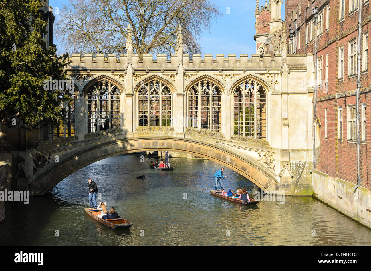The bridge commonly known as the 'Bridge of Sighs' over the River Cam, St Johns College, Cambridge, England, UK. Stock Photo