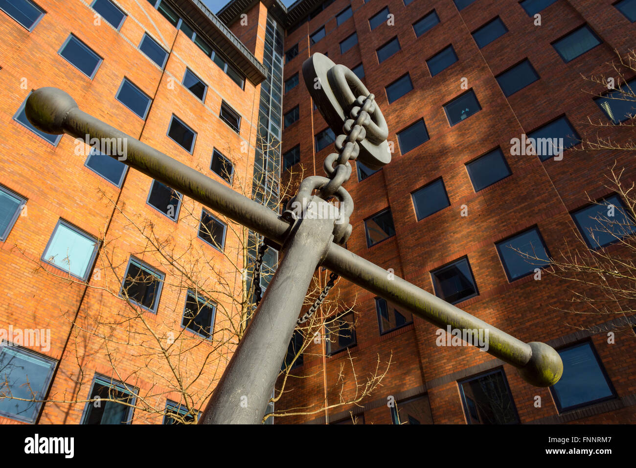 'Anchorage' by Wendy Taylor CBE.  Anchor sculpture at 'The Anchorage' office block, Salford Quays, - Stock Image