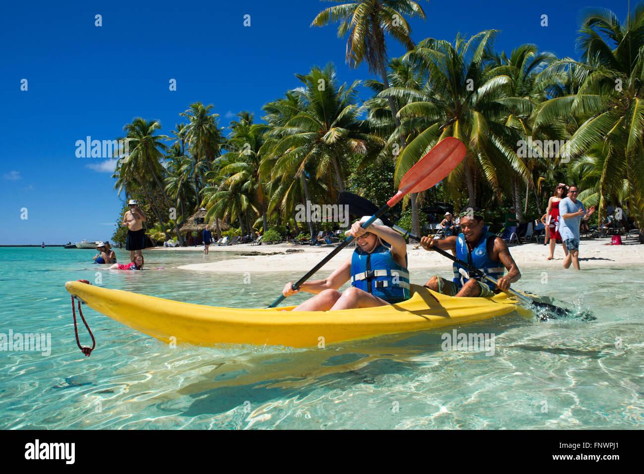 Island of Taha'a, French Polynesia. Tourists doing kayak at the Motu Mahana, Taha'a, Society Islands, French - Stock Image