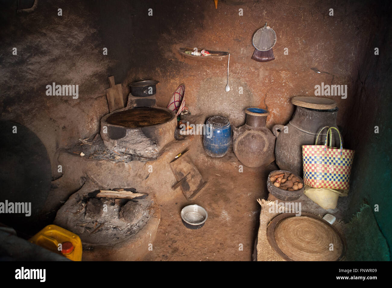 The kitchen inside a mud hut in the village of Bahir Dah, Ethiopia, Africa. - Stock Image