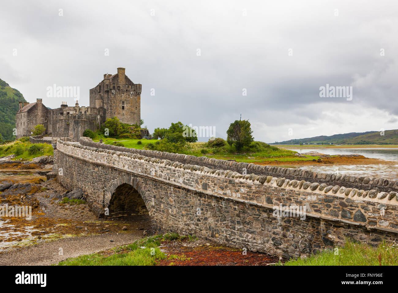 Famous Eilean Donan Castle on the Scottish highlands. - Stock Image