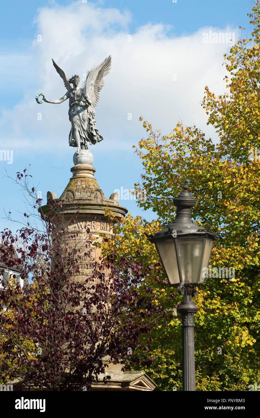 Deutschland, Nordrhein-Westfalen, Rhein-Sieg-Kreis, Siegburg, Marktplatz, Kriegerdenkmal das zum Gedenken an die - Stock Image