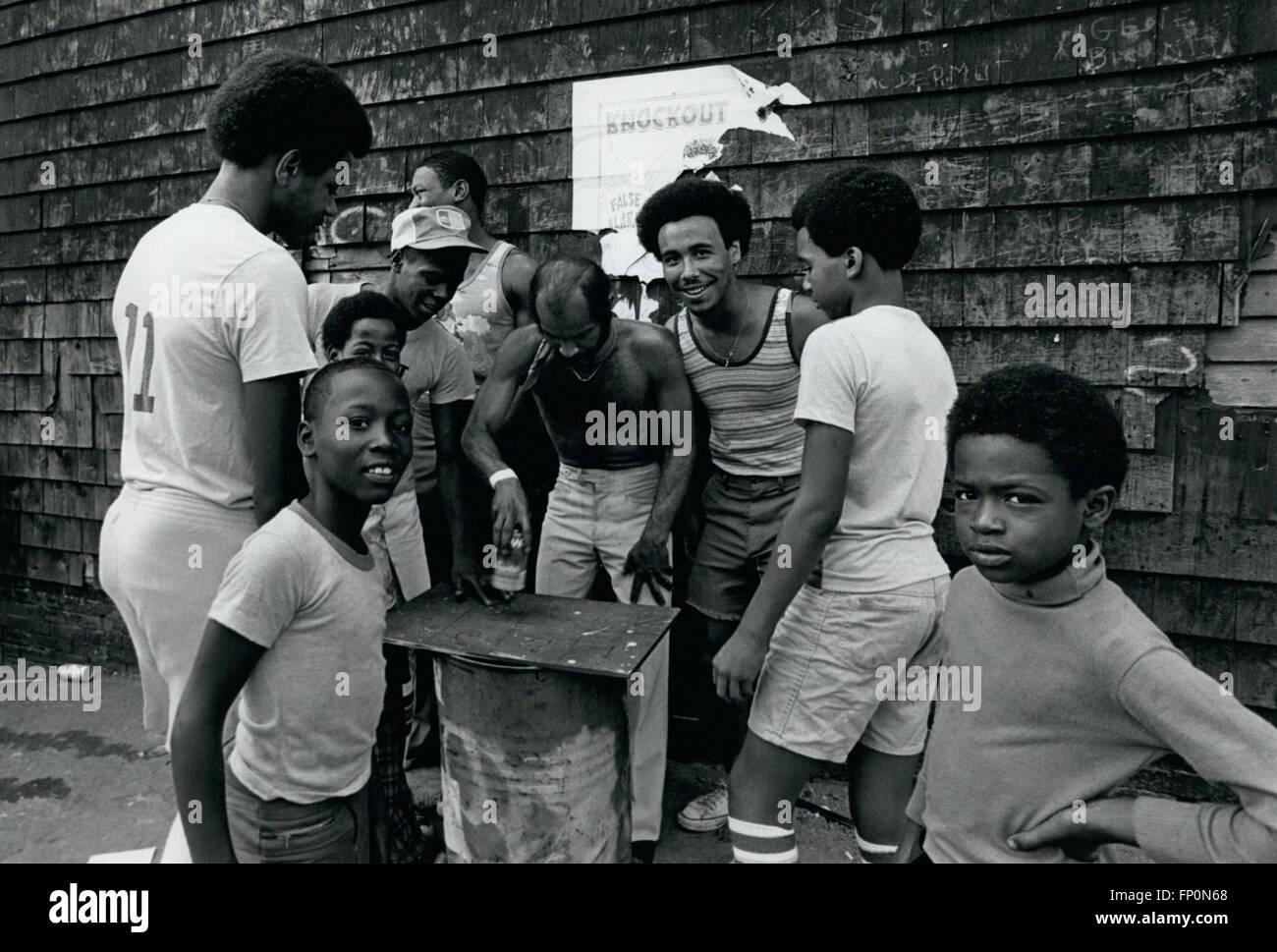1962 - Bushwick section of Bky, Playing Chug-A-Lug A Betting game. © Keystone Pictures USA/ZUMAPRESS.com/Alamy Live Stock Photo