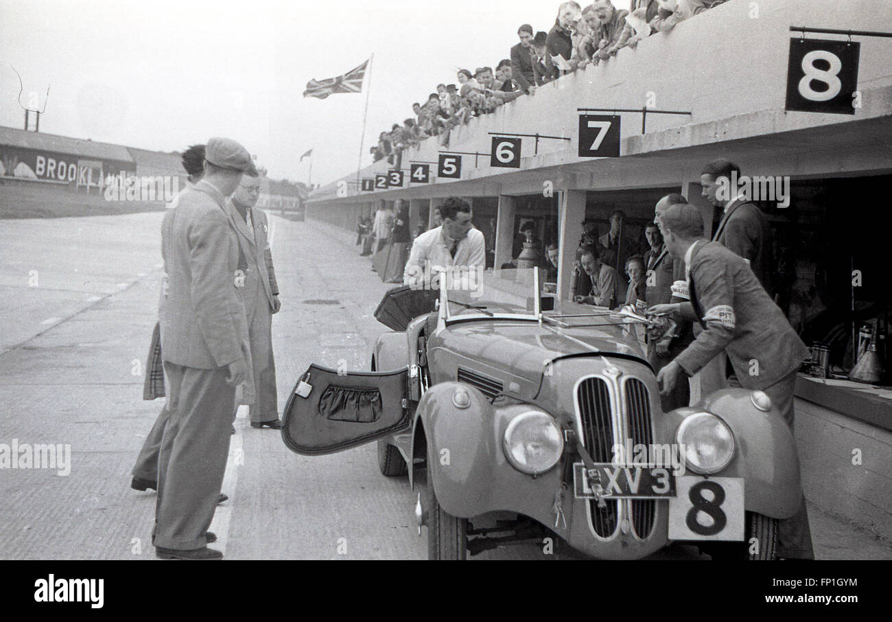 1930s, Historical picture from Brooklands race circuit, the world's first purpose-built motor racing circuit, - Stock Image
