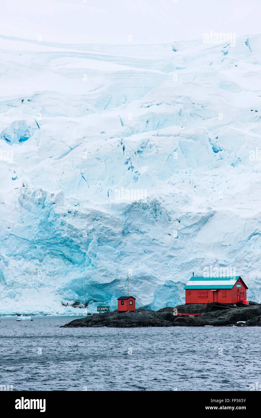 Argentine research station, Glacier, Antarctic Peninsula, Antarctica - Stock Image