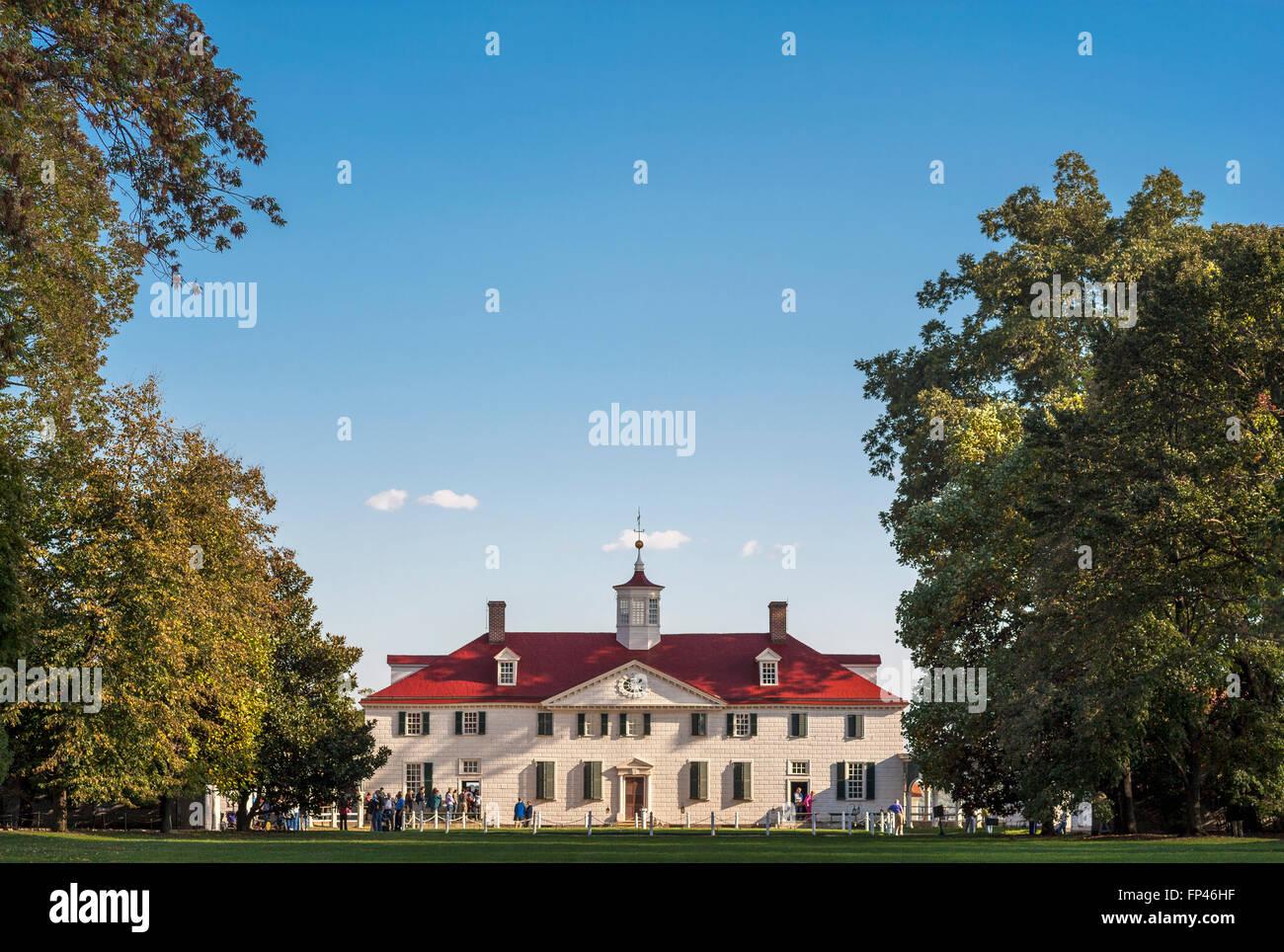 Mount Vernon the plantation home estate mansion of George and Martha Washington. Near Alexandria Virginia and Washington - Stock Image