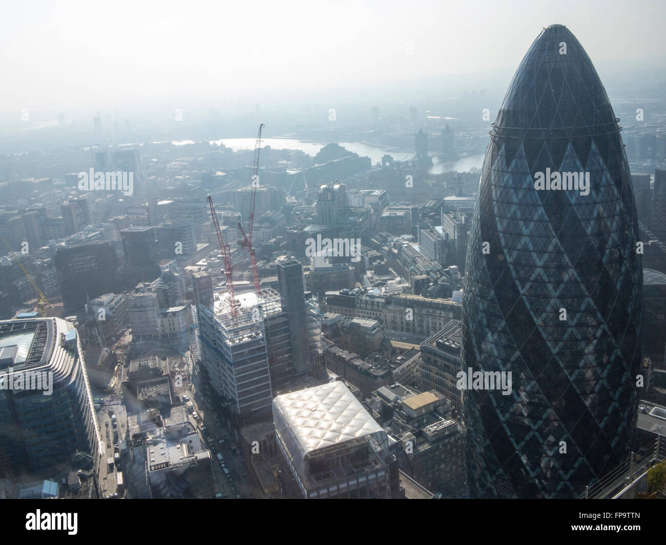 London: The Gherkin Swiss Re Building from above - Stock Image
