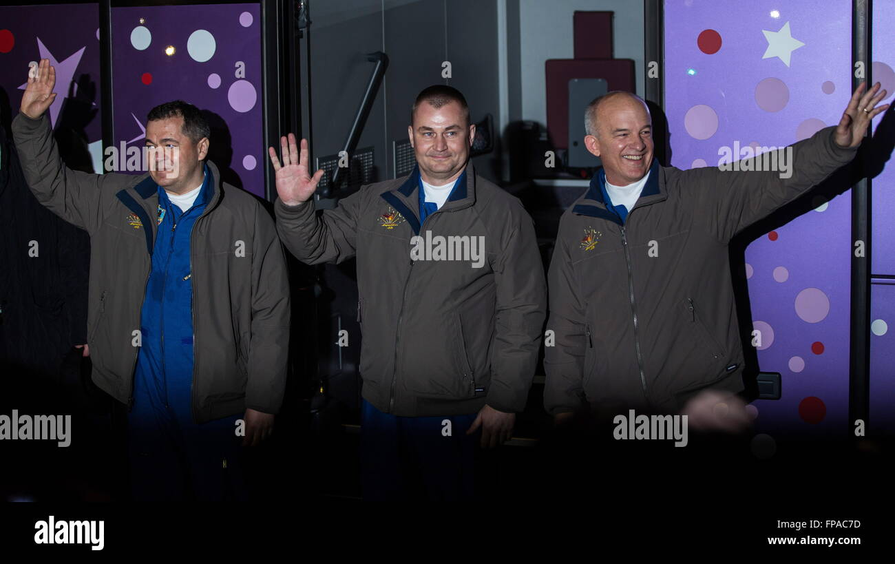 Baikonur, Kazakhstan. 17th Mar, 2016. Crew members of Expedition 47/48, Roscosmos cosmonauts Oleg Skripochka and Stock Photo