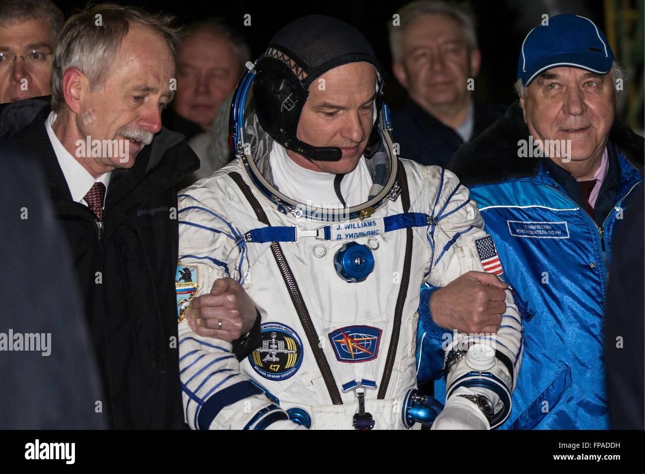 Baikonur, Kazakhstan. 18th Mar, 2016. Crew member of Expedition 47/48, NASA astronaut Jeffrey Jeff Williams, (C) - Stock Image