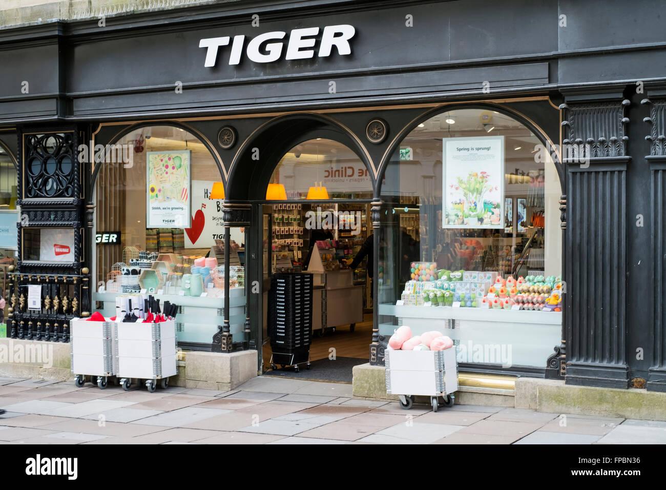 City of Bath England Tiger gift shop Stock Photo: 99832298 - Alamy