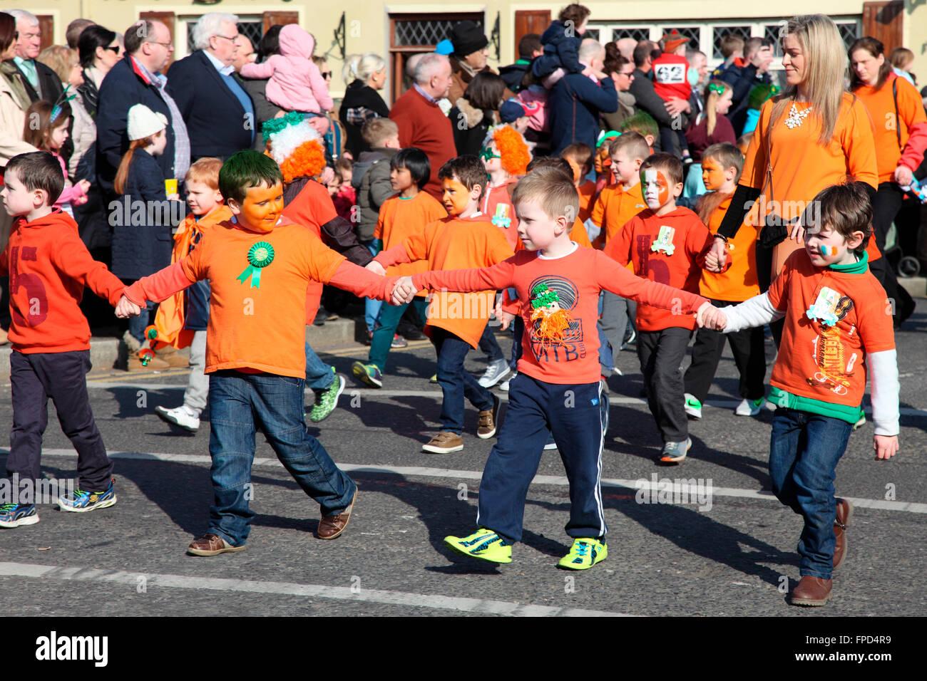 Primary School children in Carrickmacross St Patricks Day Parade - Stock Image