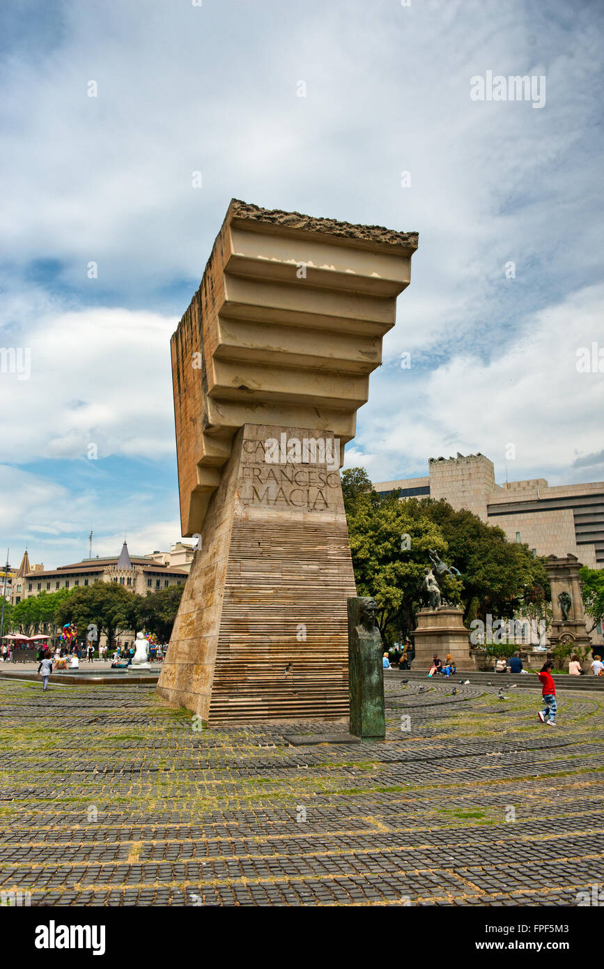 Monument To Francesc Macia Former President And Officer In Spanish Stock Photo Alamy