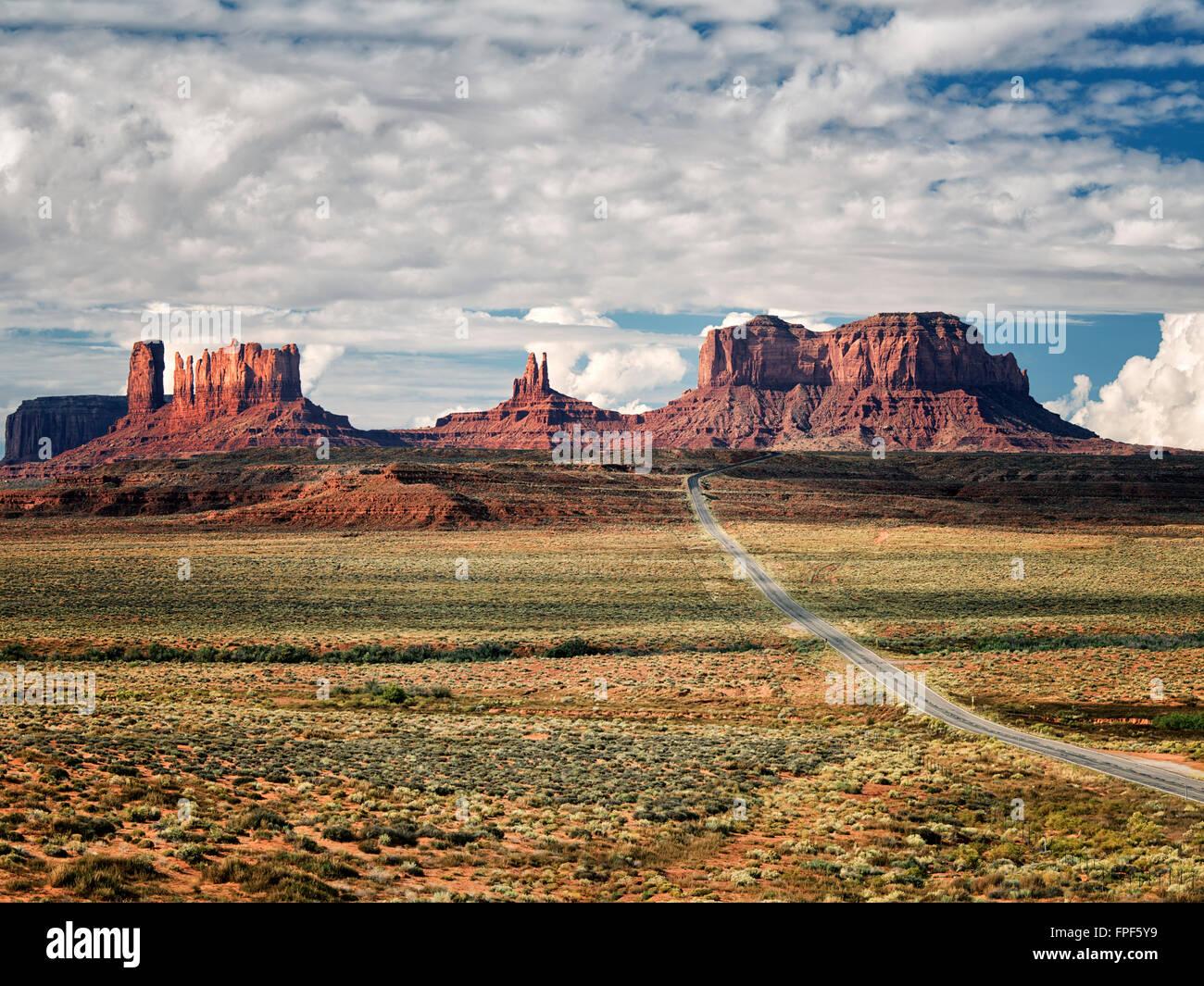 Highway leading to Monument Valley. Utah/Arizona - Stock Image