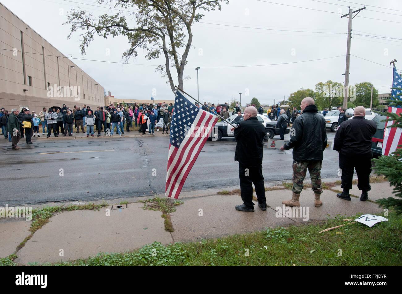 Minneapolis, Minnesota. Neo-Nazi rally. The Neo-Nazi National Socialist Movement demonstrating against an anti-racist - Stock Image